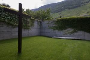 """sculpture """"stigmate de l'invisible"""" église de Martigny-Bourg, pour les 50 ans de l'église et en l'honneur du Chne Gabriel Pont."""